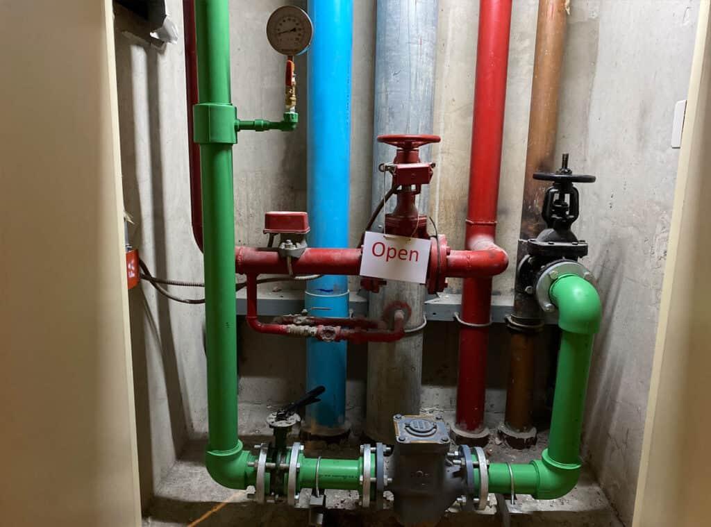 ท่อน้ำ ppr ในห้องชาร์ป